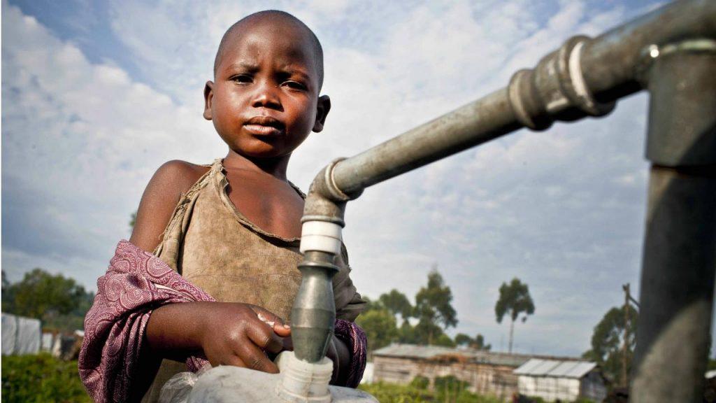 pomoc afryce brak wody dziecko fundacja ADRA Polska