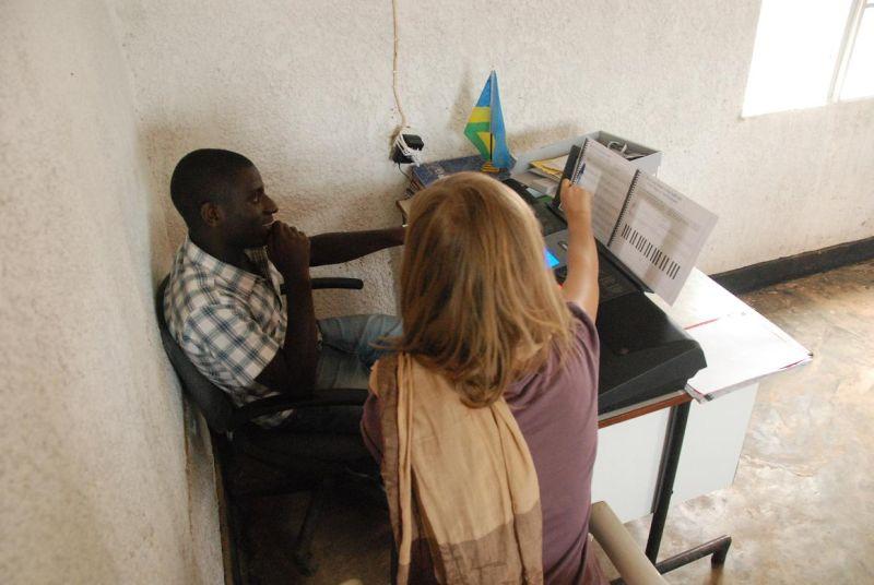 Zajęcia dla dzieci i nauczycieli w Rwandzie