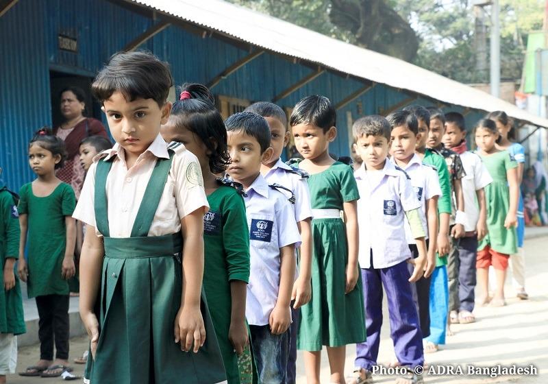 Uczniowie Szkoły ADRA Bangladesz Pomoc dla Bangladeszu