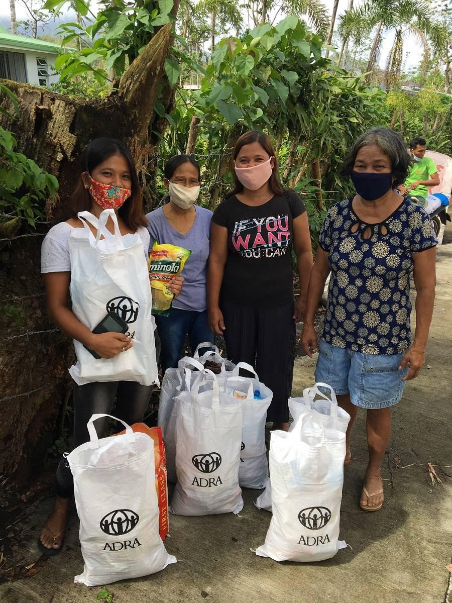 Pomoc ofiarom tajfunów na Filipinach – podsumowanie działań