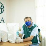 wydawanie żywności pomoc w walce z koronawirusem