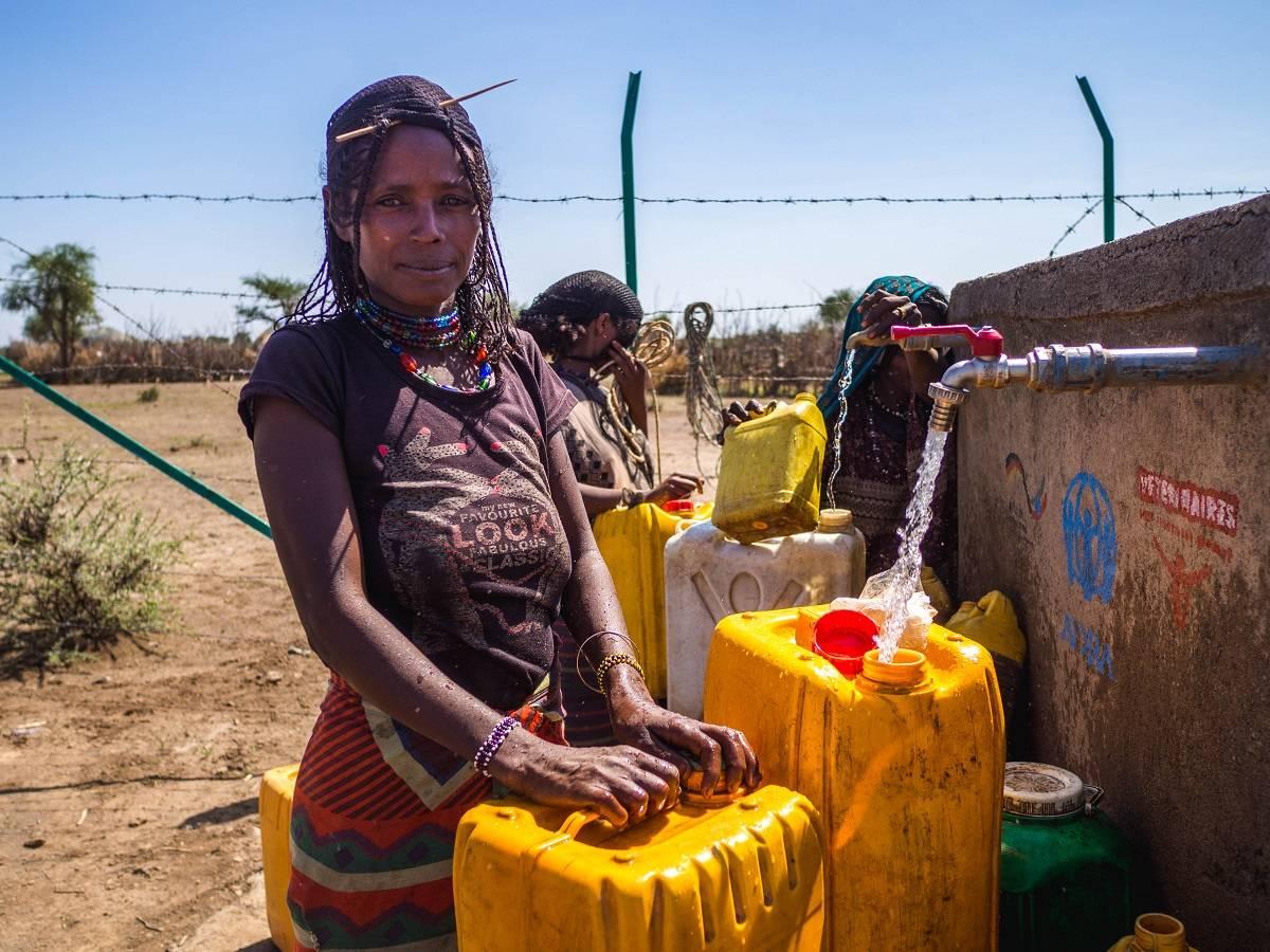 W jaki sposób marnowana jest woda pitna?